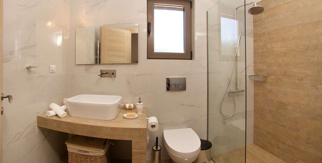 Bathroom with shower and basin inside Villa Frydi, Karavomilos, Kefalonia, Greek Islands (1)
