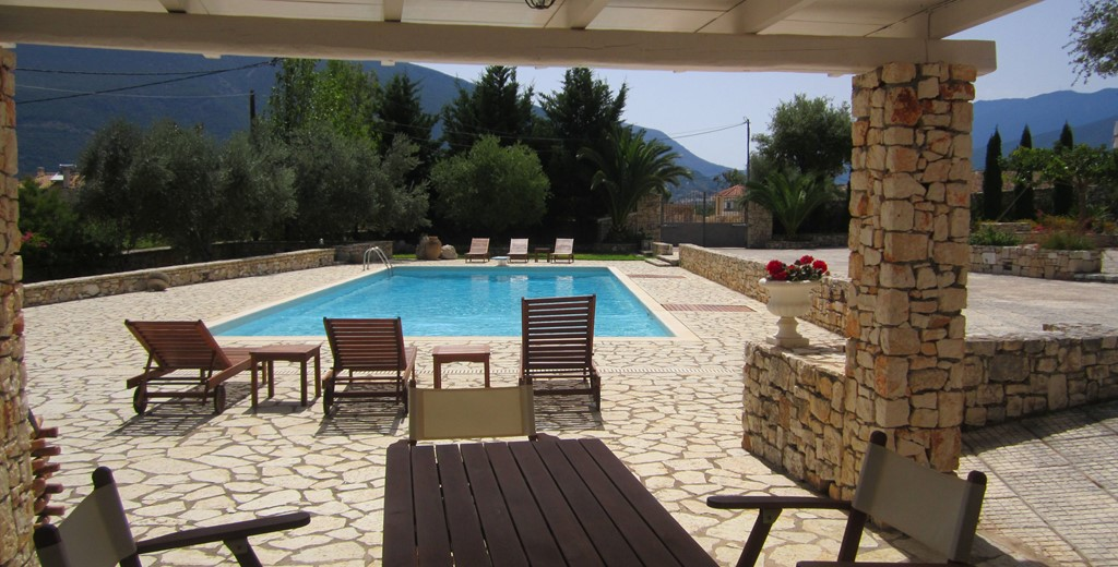 Pool, Mountians and sun make great relaxing holidays in Casa Angela, Melissani Apartments, Karavomilos, Kefalonia, Greek Islands