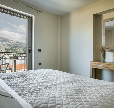 Space and facilities to get ready for the day or night out during your holiday in Marina Penthouse Apartment, Argostoli, Kefalonia, Greek Islands